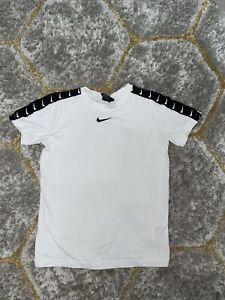 Boys Nike T-shirt Large