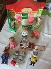 Lot Magasin + Figurines Sylvanian Petits Malins