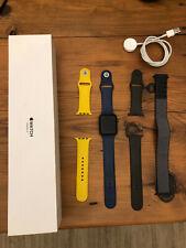 Apple Watch Series 3 42mm Cassa Grigia Siderale con diversi cinturini