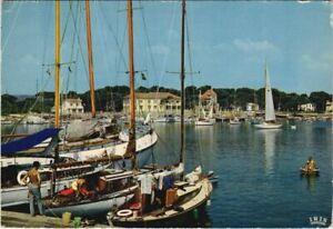 CPM HYERES HYRES-les-PALMIERS - Le Port (1113233)