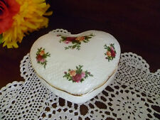 NEW  REGAL HEART SHAPED TRINKET BOWL OLD COUNTRY ROSES ROYAL ALBERT