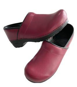 Sanita Professional Nursing Red Patent Leather Clogs Women's Size 42 EUR US 11