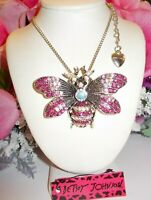 BETSEY JOHNSON BEAUTIFUL FUCHSIA AND PINK CRYSTAL BEE PENDANT CHAIN NECKLACE