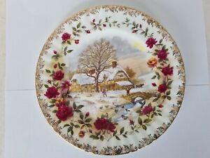 BEAUTIFUL Royal Albert Four Seasons Winter Christmas Plate Old Country Roses