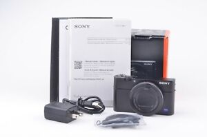 MINT- SONY RX100 V DIGITAL CAMERA BOXED BLACK, COMPLETE, BARELY USED