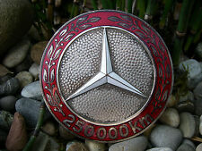 schöne, alte MERCEDES BENZ 250000 KILOMETER Emaille Auto Plakette Car Badge