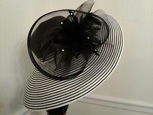 Women's Dress/Church/Wedding/Kentucky Derby/Formal Hat - Black & White - Lovely!