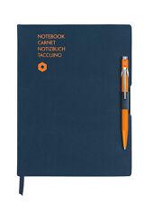 Caran d'Ache Notizbuch Office A5 Blau & Kugelschreiber 849 Orange, 8491.404, NEU