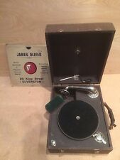 VINTAGE PORTABLE GRAMOPHONE PLAYER - CASED - HORN WIND UP MECHANICAL + 6 RECORDS