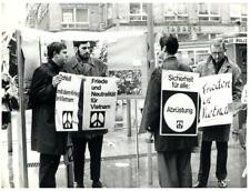 Vietnam, Dix heures de protestation contre la guerre du Vietnam  Silver Print.