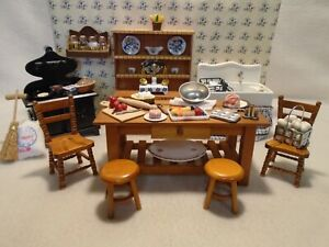 DOLLS HOUSE FURNITURE MIXED LOT KITCHEN 12TH SCALE &  ACCESSORIES