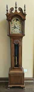 Colonial Grandfather Clock. Working.