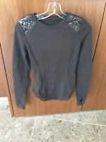 Lululemon Long Sleeve Shirt With Padded Shoulders and Elbow's Size:4