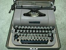 Vintage 1949 Underwood Portable Flight Champion Typewriter with case and manual