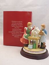 Holly Hobbie 1997 Sharing Sweet Moments Figurine w/ Kids & Gingerbread House MIB