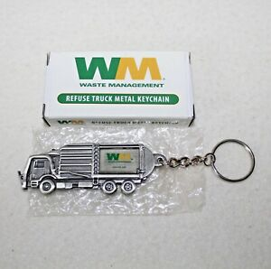 "New First Gear ""WM Front End Load Refuse Truck"" Metal Keychain IOB  90-0407"