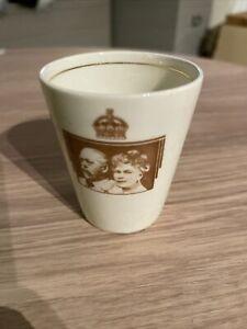 Royal Doulton Bone China 1935 King George V Silver Jubilee Mug / Beaker