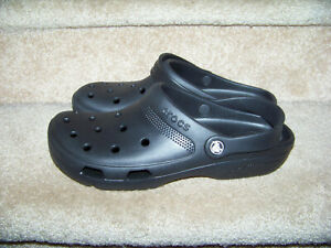 Croc Black Classic Slide Mens Shoe Size 12 Ultra Light Water-Friendly Sandals