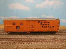 HO SCALE ATHEARN PACIFIC FRUIT EXPRESS 301527 50' MECHANICAL REEFER