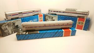 Con-Cor HO Train Lot of 3 NEW Amtrak Streamlined Passenger Cars In Boxes & RTR