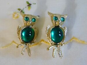 Vintage Set of Owl Duet Pins Green Jelly Belly Glass and Rhinestones Owls