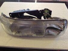 Chevrolet Silverado/Tahoe/Suburban Headlight -Right Hand GM16526134 RH.