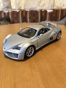 Burago 1/18 Scale Diecast - 33130 Giugiaro Design Prima Silver Model Car