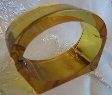 VINTAGE 30's CHUNKY APPLEJUICE GOLD PRYSTAL BAKELITE HINGE CLAMPER BRACELET