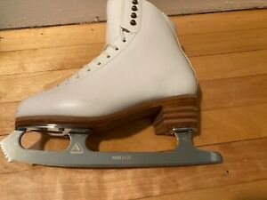 jackson freestyle skates size 6.5 C with guards and bag
