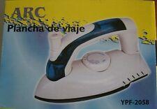 Plancha de Viaje c/ vapor-suela anti-adherente -Doble Voltaje -750W ARC YPF2058