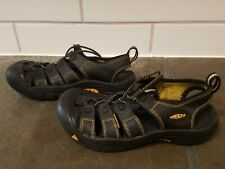 Youth boys Keen Newport sandal shoes size 3, black