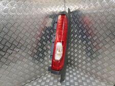Feu arrière droit - Renault Trafic 2 après oct. 2006 - porte battante 8200415251
