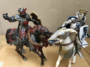 Schleich PAPO Two Medieval Battle Horses With Knights 2006