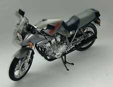 TAMIYA 1/6 SUZUKI GSX1100S (MINIAURE BIKE ALREADY BUILT)