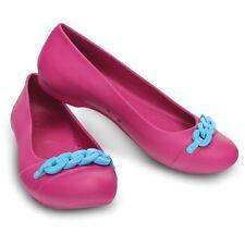 6cbd660127568 CROCS Women s Berry   Electric Blue Gianna Link Flats Summer Shoes SZ ...