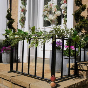 1.7m Long Stunning Artificial Flower and Leaf Garland