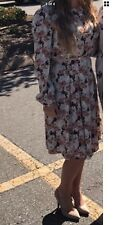 Forever 21 Contemporary Women's Floral Midi Dress. BEAUTIFUL. Large. Worn once