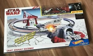 Hot Wheels Star Wars: The Last Jedi Crait Assault Raceway, Track Set