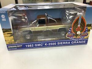 Greenlight 1:18 - The Fall Guy - 1982 GMC K-2500 Sierra Grande Wideside Pickup