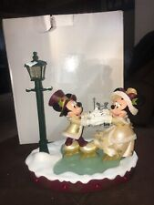 Disney Medium Figure Statue Victorian Mickey & Minnie Skating
