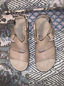 SAS Tripad Comfort Huggy Adjustable Strap Buckle Leather Sandal Women Size 8N