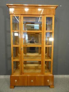 BIEDERMEIER 3 SEITEN VITRINE KIRSCHBAUM  UM 1840  ANTIK-LEIPZIG