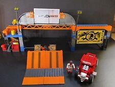 2013 Hot Wheels Mega Bloks Retired Set #91715 Super Stunt Test Facility