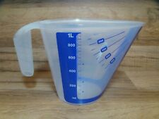 NEW - TUPPERWARE - MEASURE WHILE YOU POUR - 1 QT 4 CUP 1 L PITCHER - BLUE