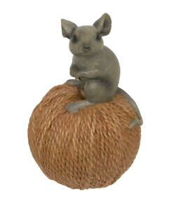 Cute little mouse on a ball of string - ornament - size 6 x 6 x 9.5 cm