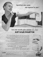 PUBLICITÉ 1957 ARTHUR MARTIN PETITE CUISINIÈRE DE LUXE AGRANDISSEZ VOTRE CUISINE