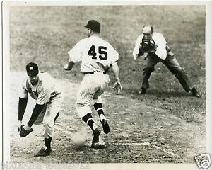 Joe DiMaggio playing first base New York Yankees original type 1 photo 1950