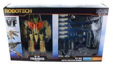 Robotech 1/100 Transformable Figura: VF-1D Entrenador Con / Súper Veritech Armor