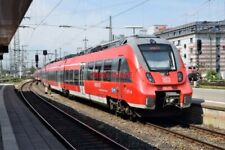 PHOTO  GERMAN RAILWAY -  DB REGIO DEUTZ TALENT 2  cLass 422 no 442 277