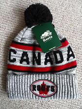 ROOTS CANADA Grey Mix Maple Leaf POMPOM TOQUE Beanie Hat UNISEX Bobble NEW Black